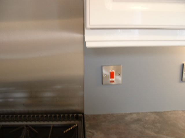perspex® was not used behind the cooker as the heat would distort