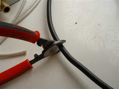 armoured cable electrics rh ultimatehandyman co uk wiring armoured cable to garage wiring armoured cable to a plug
