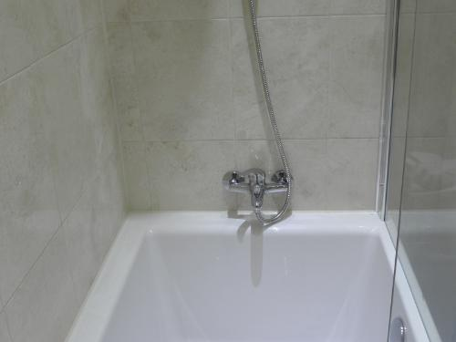 Remarkable Shower Fittings for Baths 500 x 375 · 12 kB · jpeg