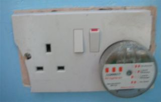 electrical socket tester not illuminated