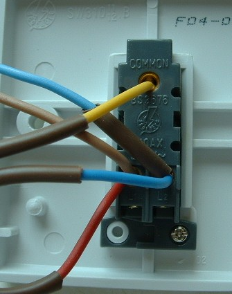two way light switching light fitting two way switch wires